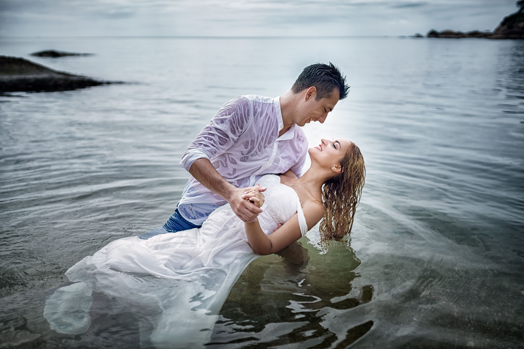 Wedding photographer couple photo on the beach love