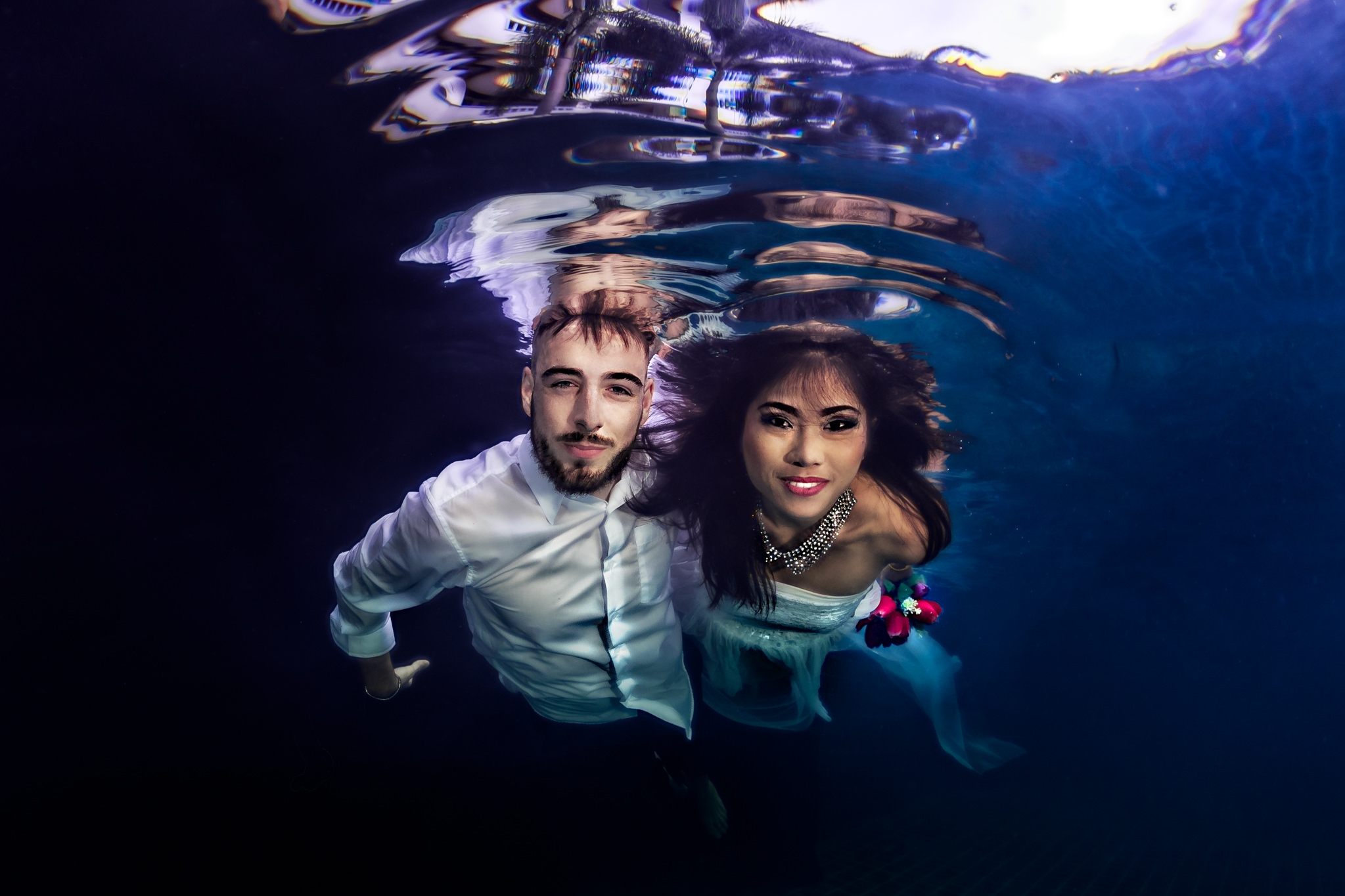 Underwater wedding photography in Koh Samui